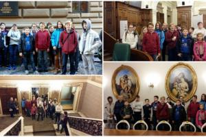 Saeimā norisinājās Atvērto durvju diena, un šo iespēju izmantoja Rīgas Komercskolas audzēkņi