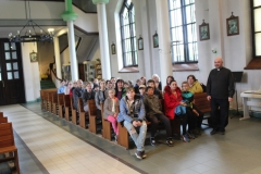Rīgas Komercskola audzēkņi ciemos pie baznīckunga