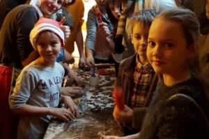 """2018.gada 18.decembrī svinējām Ziemassvētkus Rūķu Piparkūku darbnīcā """"Donas"""""""
