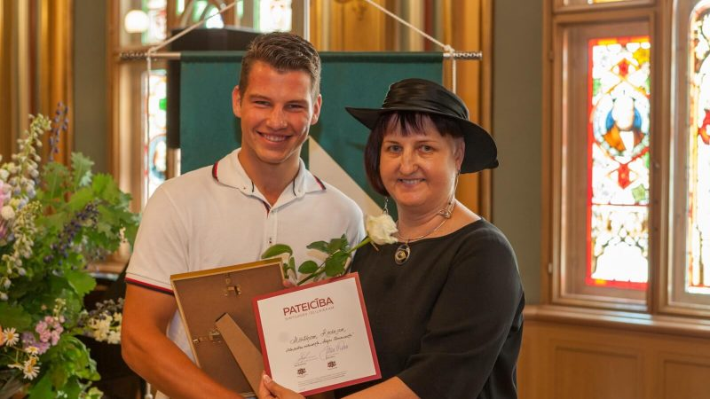 Mārtiņš Rocēns septiņpadsmit gadu vecumā kļuvis par Latvijas pieaugušo čempionu tenisā vienspēlēs un dubultspēlēs