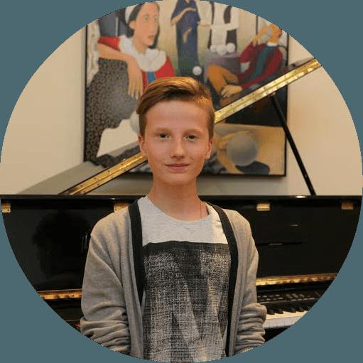 Atsauksmes par tālmācības vidusskolu - Nauris Kaspars Madzulis