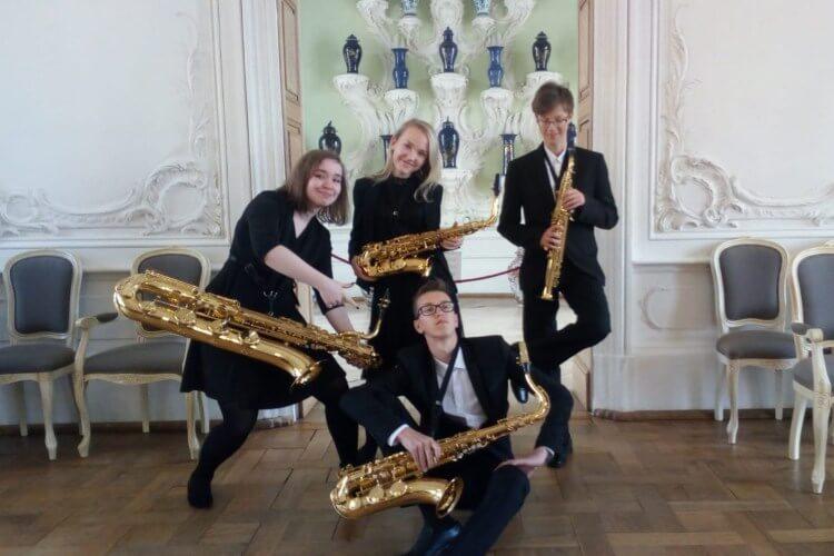 Tukuma mūzikas skolas saksofona kvarteta dalībnieki