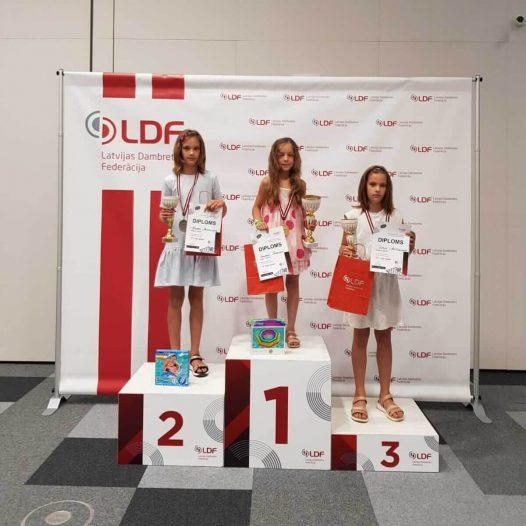 Uzvara Latvijas čempionātā jauniešiem 64 lauciņu dambretē U10 grupā!