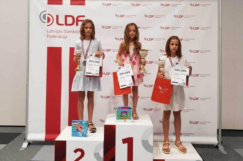 Uzvara Latvijas čempionātā jauniešiem 64 lauciņu dambretē U10 grupā