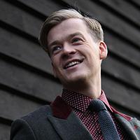 Rihards Lepers - Teātra Observatorija aktieris - Rīgas komercskolas absolventu slavas zālē