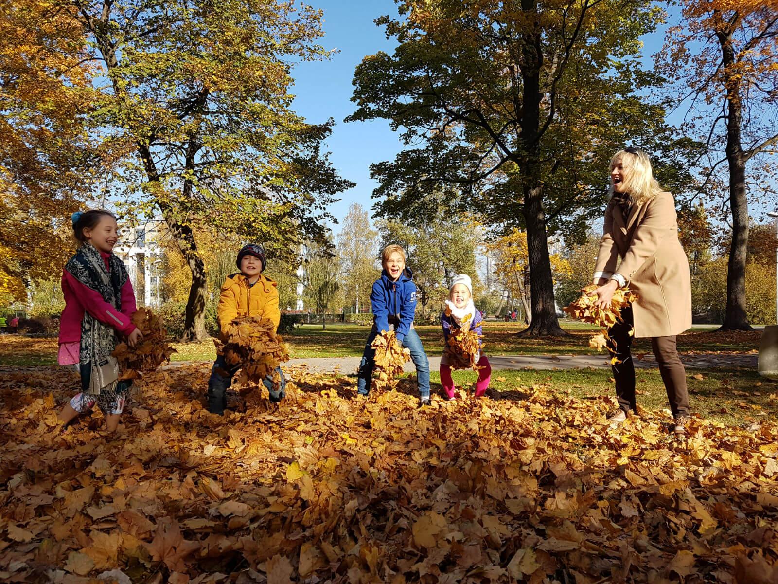 Latviešu valodas konsultācija pašiem mazākajiem tālmācības skolā «Rīgas Komercskola»