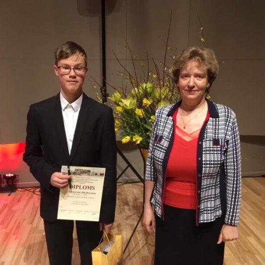 Gustavam Jākobsonam 1. vieta  mūzikas skolu konkursā