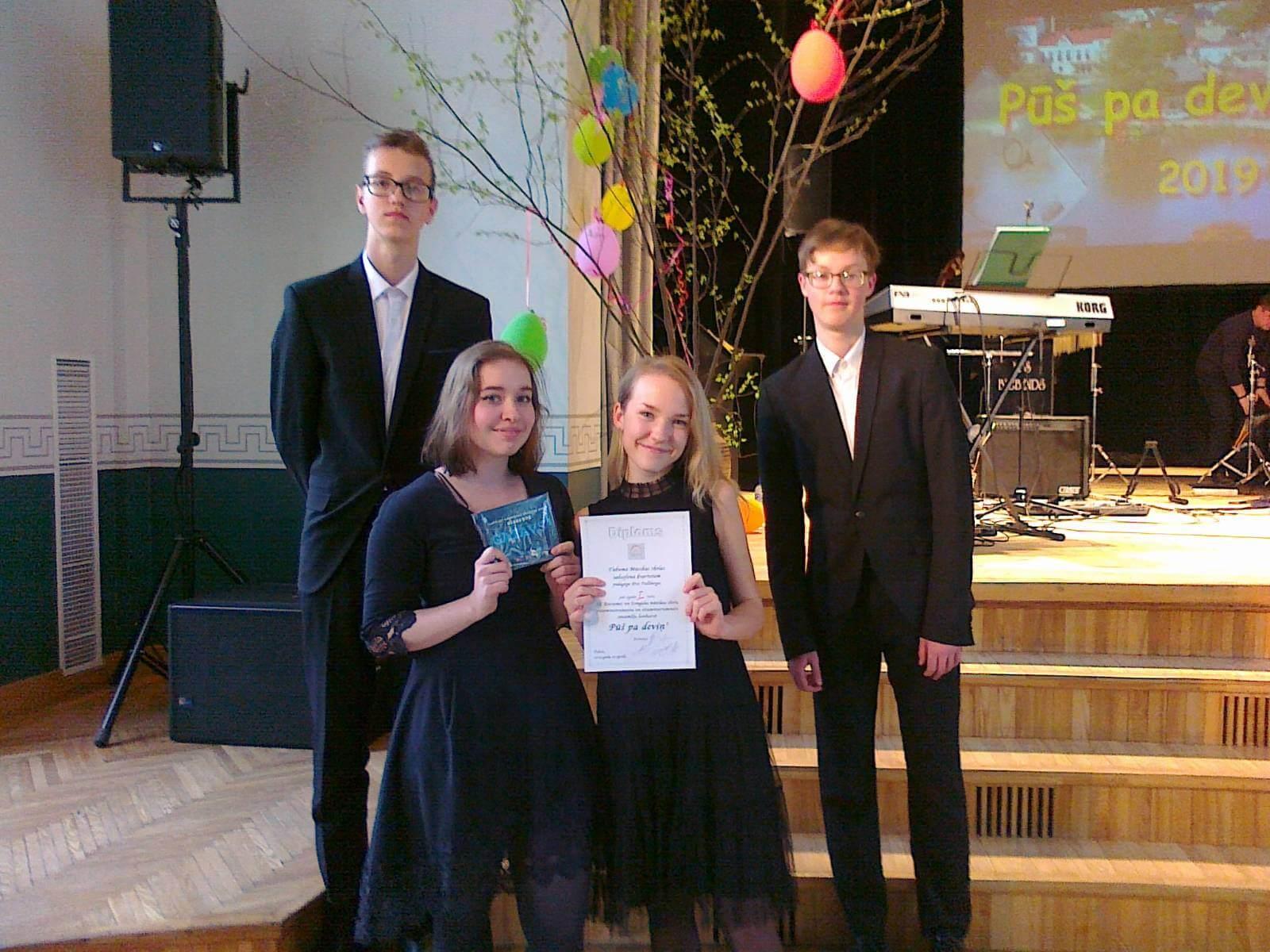 Gustava Jākobsona 1. vieta mūzikas skolu konkursā Pūš pa deviņ'